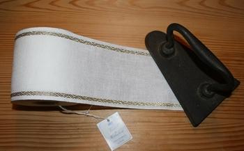 Bande à broder 10cm blanc cassé bordure dorée  par 50 cm