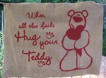Hug your Teddy R104