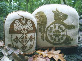 The Workbasket Quaker Acorn and Squirrel