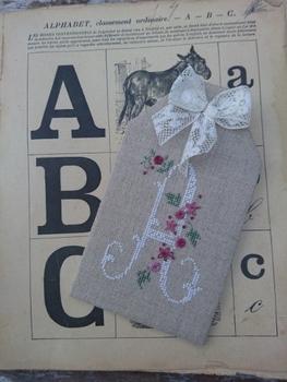 CE0172 Lettres aux fleurs