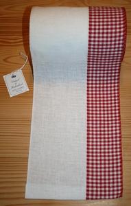 Bande à broder Vaupel, moitié carreaux rouges  par 50 cm