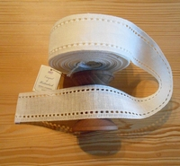 Bande à broder Vaupel Lisière Ajourée Blanc cassé 5cm par 50 cm