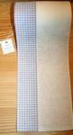 Bande à broder Vaupel, moitié carreaux bleu pâles par 50 cm